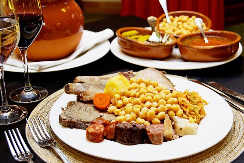 Restaurante con cocido madrileno en Hotel Madrid