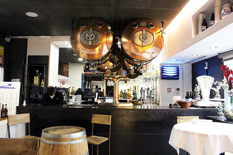 Barra del restaurante Materia Prima de Madrid