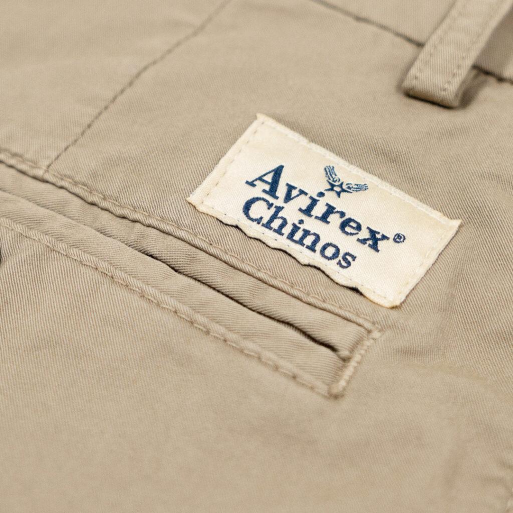 Pantalón chino de Avirex firma de pilotos