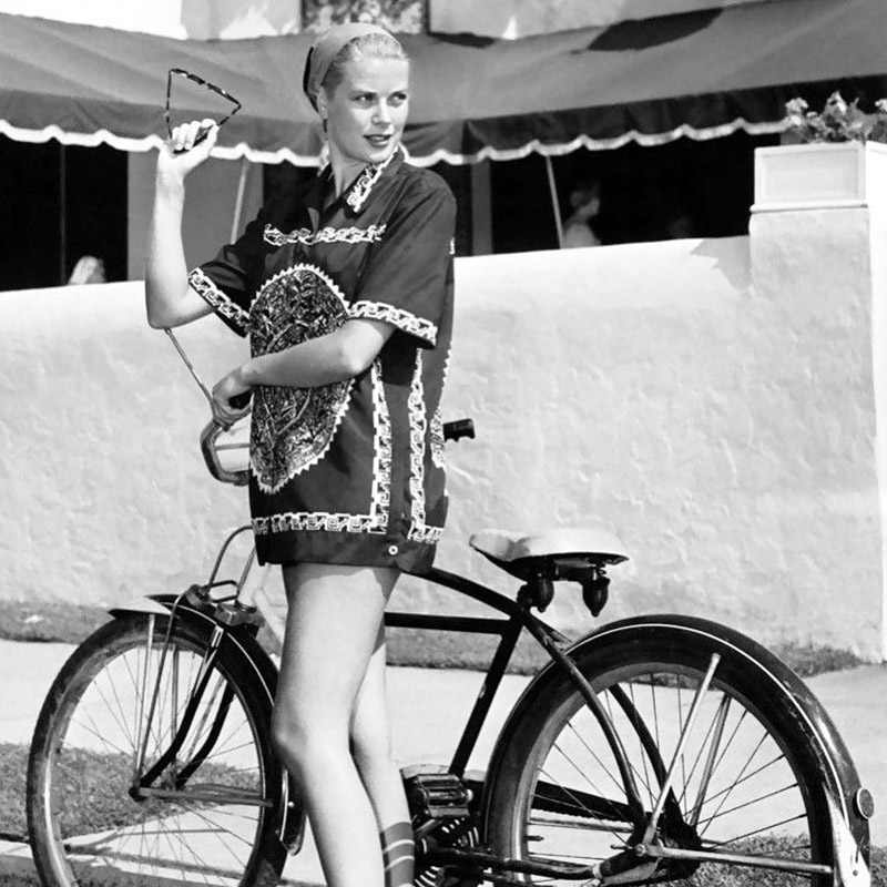 Grace Kelly con blusón veraniego en Tiendas Vintage Madrid
