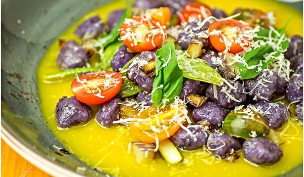 Platoe tomate de verdura de Pizzi and Dixi