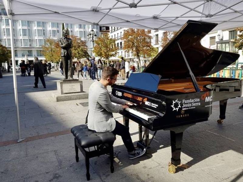 piano en las calles de Madrid